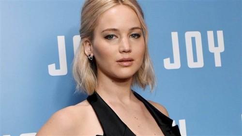 Jennifer Lawrence saved a woman while walking her dog